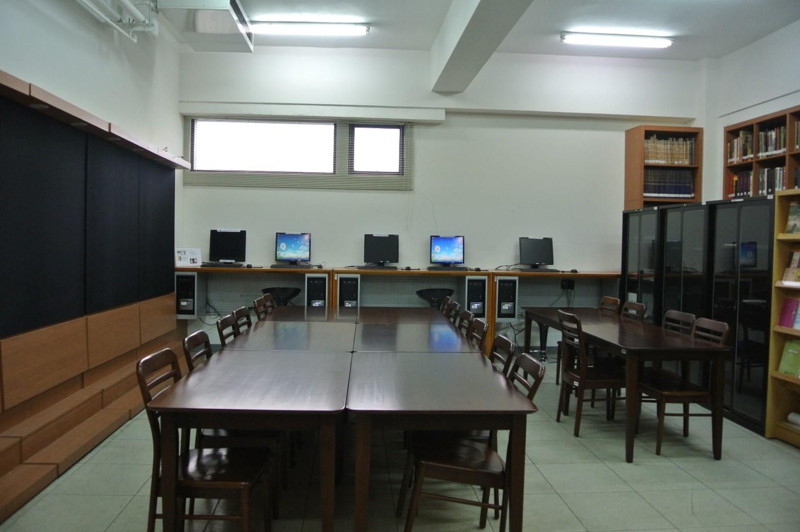 中語系圖書館閱覽室