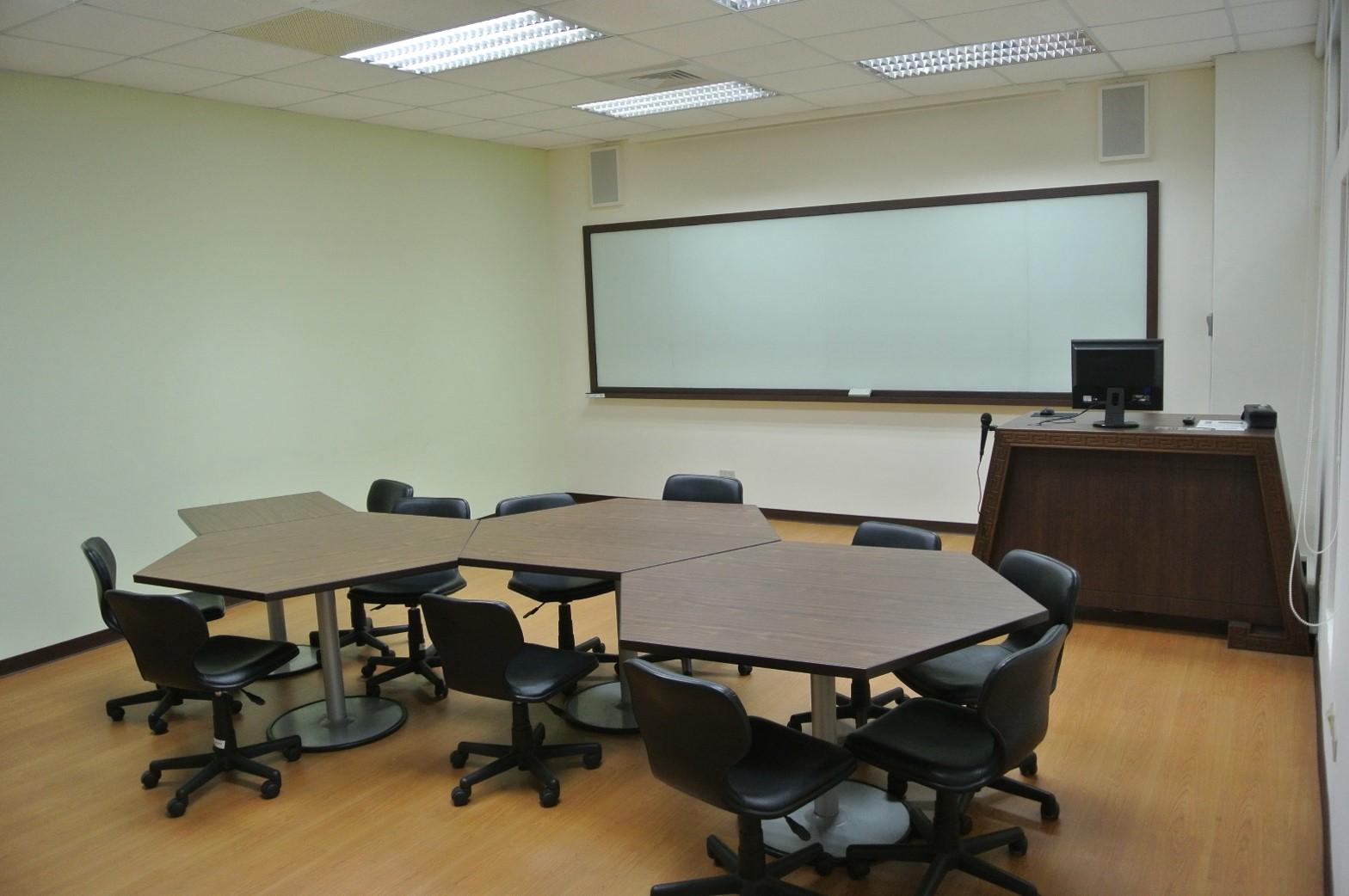 中語系簡報教室